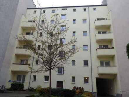 Mitten in Berlin: Bezugsfreie helle Zweizimmerwohnung in attraktiver Moabiter City-Lage