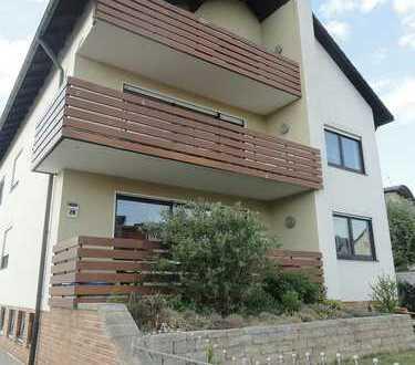 Schöne Dachgeschosswohnung mit Balkon!