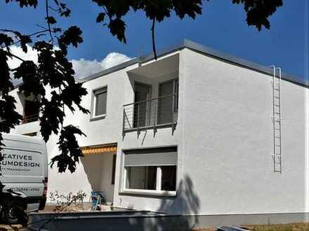 Ruhige Lage im Grünen, frisch saniertes Haus mit vier Zimmern in Langen (Hessen, Kreis Offenbach)