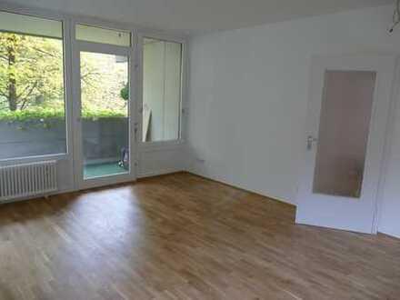 Attraktive 2-Zimmer-Wohnung mit Balkon und Blick ins Grüne direkt an der Isar im Dreimühlenviertel