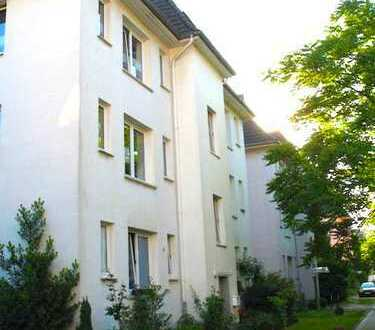 Ruhig gelegene, charmante Eigentumswohnung mit Balkon und Blick ins Grüne in Krefeld