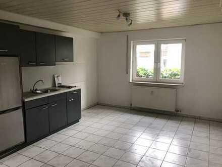 Kleines Single-Apartment im Souterrain