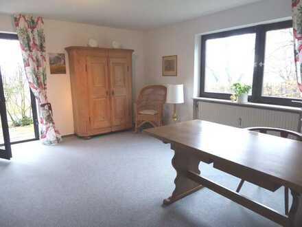 Schöne 2 Zimmer-Einliegerwohnung mit Terrasse in ruhiger Lage
