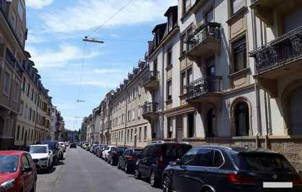 Besonderes Altbau-Schmuckstück in der Weststadt in ruhiger Lage