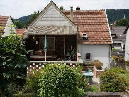 Freistehendes Ein- oder Zweifamilienhaus in ruhiger Lage von Hassel
