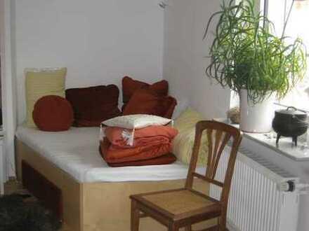 Sonnig, Balkon plus Garten-5 eckiges Bett