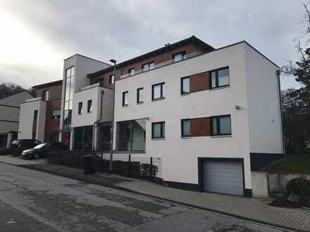Neuwertige 5-Zimmer-Maisonette-Wohnung mit Balkon und EBK in Gevelsberg
