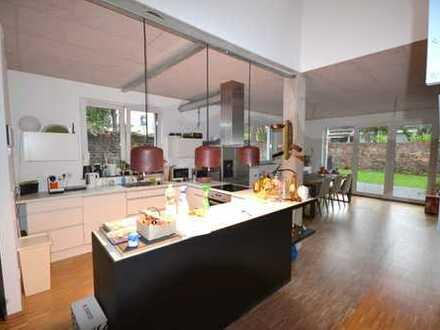 +++ Stadthaus mit Garten, großer Terrasse, Dachterrasse, 5 Zimmer, Wohnküche in Ehrenfeld ++