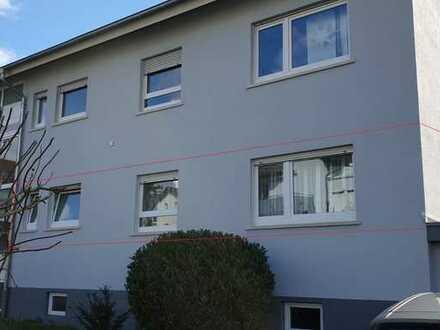 Erdgeschosswohnung mit großer Terrasse !
