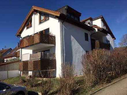 Helle 2-Zimmer-Wohnung mit großem Balkon, Gartennutzung und PKW-Stellplatz