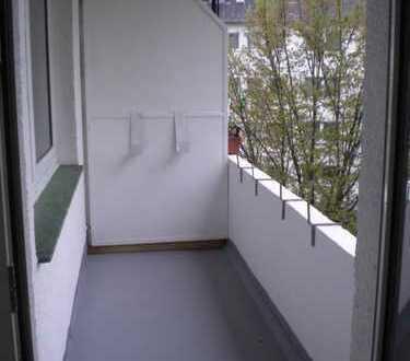 Helle 3-Zimmerwohnung mit Balkon und Wannenbad