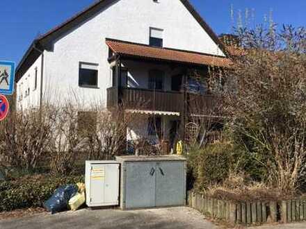 Geräumige 3 Zimmer Wohnung über 3 Stockwerke in Gilching, Kreis Starnberg