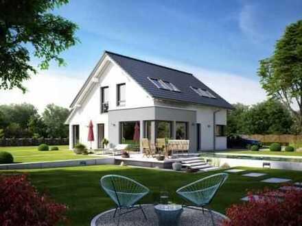 Zwei schicke Erker und über 150m² machen dieses Haus aus - großer Garten inklusive!
