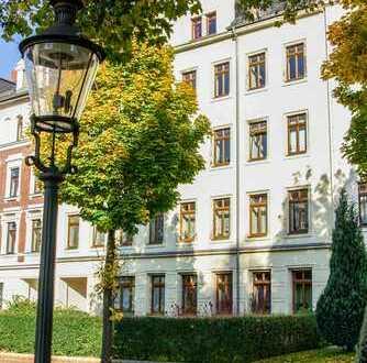 3-Zimmer-Wohnung mit Balkon und grünem Innenhof