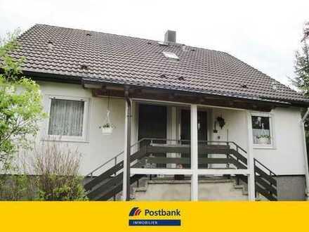 Wohnen und Arbeiten in ländlicher Idylle! Schönes Einfamilienhaus mit großem Garten in Hartmannshof