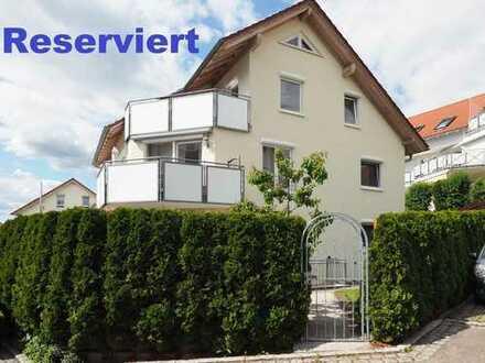 Neuwertige Maisonette-Wohnung mit Balkon und Dachloggia, Sonnengarten, Garage und Stellplatz