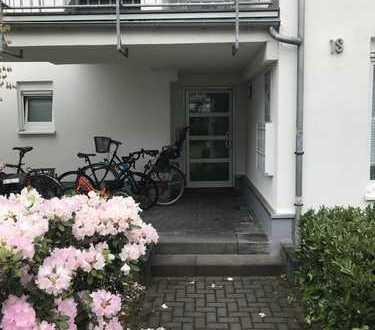 Geräumige 2-Zimmer-EG-Wohnung mit großer Terrasse und EBK in bester Lage