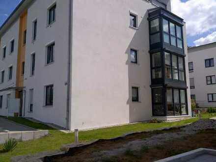 Helle modern möbilierte neuwertige 3-Zimmer-Wohnung mit Balkon und TG Stellplatz in Sersheim