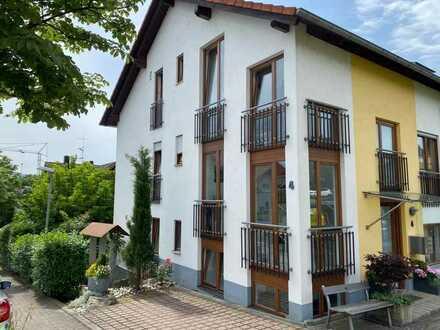 FR-Tiengen, vermietete 2-Zimmer Whg. mit Privatgarten, Stpl. + Garage / Erbpacht