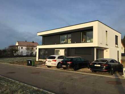 hochwertige 2-Zimmer-Maisonette-Wohnung mit EBK und Terasse in Tübingen-Kusterdingen