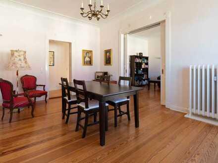 Jugendstil-Altbauwohnung mit 4,5 Zimmern und zwei Balkonen - auch als Kapitalanlage geeignet