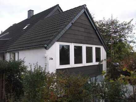 —- Keine Provision ! —-Doppelhaushälfte mit Garage in guter Wohnlage von Mülheim/Speldorf