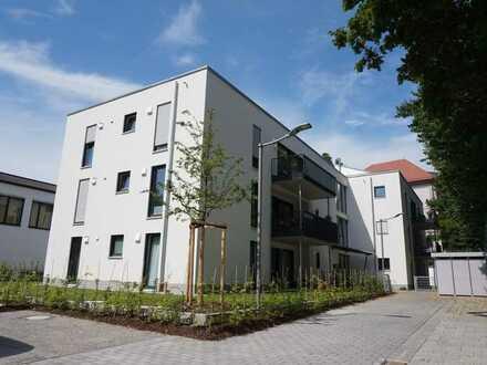 """Großzügige 4 Zimmerwohnung mit zwei großen Balkonen im """"Inselgarten"""" in Augsburg mit Einbauküche"""