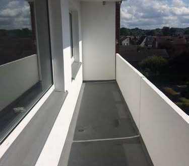 Schöne drei Zimmer Wohnung in Selm komplett saniert, mit Balkon