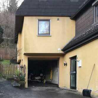 1-Familien-Haus mit Garage in sehr ruhiger Ortsrandlage