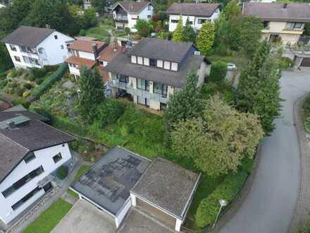Schönes Haus am Hang mit Blick auf Starkenburg in Heppenheim.