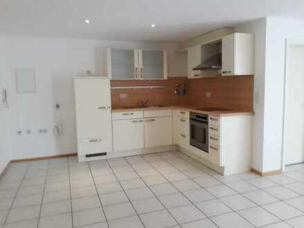 2,5 Zimmer-Wohnung mit überdachter Terrasse/Wintergarten