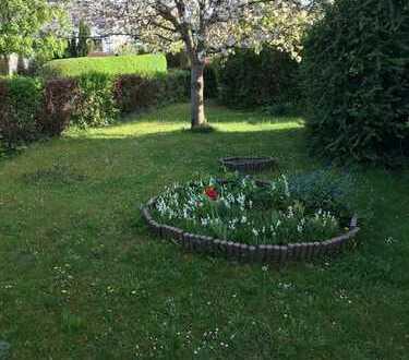 Ein wunderschönes EFH in ruhiger Lage mit einem großen sonnigen Garten