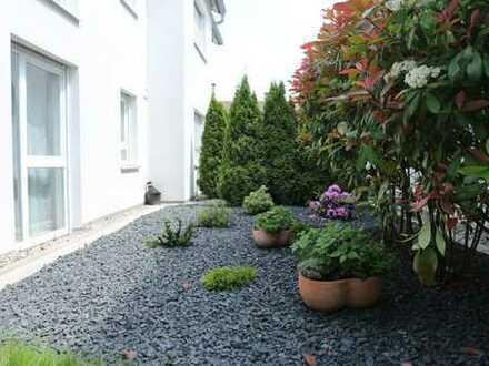 Schicke 3 Zi Terrassenwohnung (neuwertig) teilmöbiliert in bevorzugter Ortsrandlage