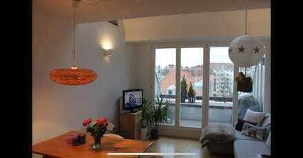 Exklusive, neuwertige 3-Zimmer-Terrassenwohnung mit Balkon und EBK in Milbertshofen, München
