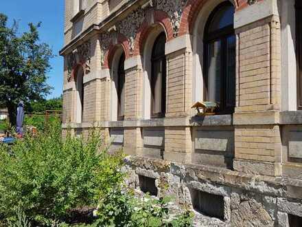 Helle Dachgeschosswohnung mit drei Zimmern in Pirna