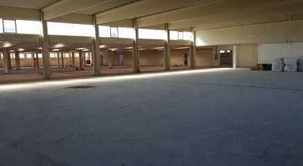 Lagerhalle ca. 2.750 qm zur kurzzeitigen Vermietung, kurze Kündigungsfrist