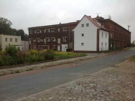 Lagerhalle und Wohnhaus in Zahna unmittelbar am Bahnhof