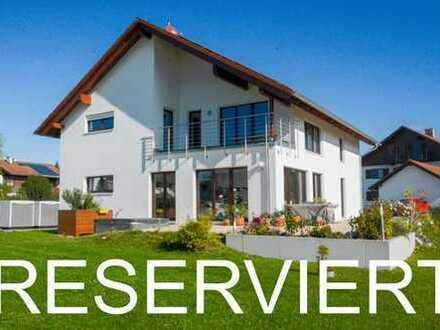 Modernes energieeffizientes Zweifamilienhaus in Pähl