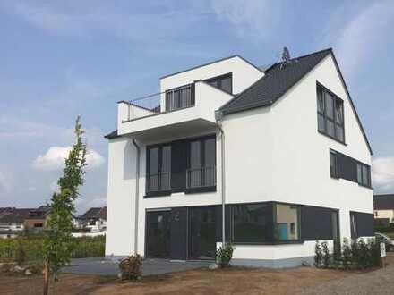 Schöne, geräumige fünf Zimmer Wohnung in Bonn-Geislar