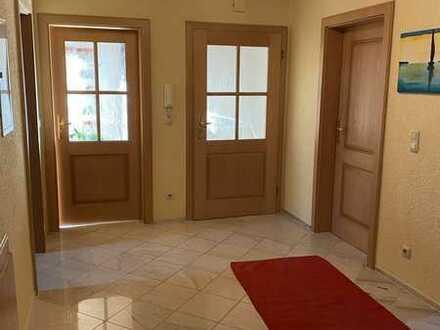 3-Zimmer-Dachgeschosswohung in ruhigem 2-Fam-Haus
