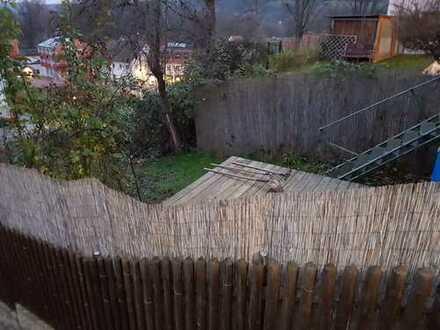Laufend renoviertes und geräumiges Haus mit kl. Garten