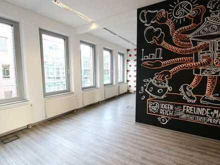 Büro mit ausreichend Raum und Ideen in Golzheim!