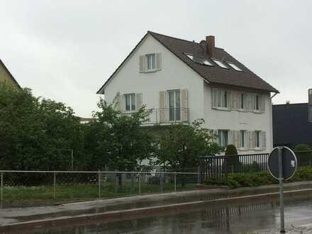 Ideale Single-2-Zimmer-DG-Wohnung in Oberboihingen
