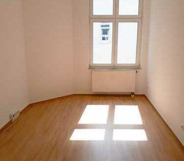 4-Zimmer-Wohnung in der direkten Innenstadt von Wismar (WG geeignet)