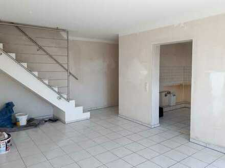 Geräumige zwei Zimmer Maisonette Wohnung in Kerpen-Horrem