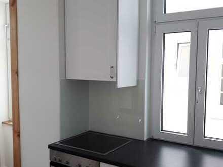 Stilvoll sanierte Altbau drei Zimmer Wohnung in Esslingen am Neckar, Erstbezug nach Sanierung