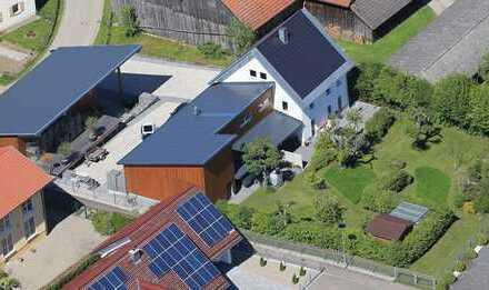 Wohnhaus mit Büro-, Produktions- und Lagerfläche in naturnaher Lage von Pfaffenhofen Ortsteil.