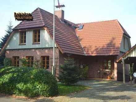 Verkauf eines individuellen Architektenhauses mit Wiesenblick in Burg, Kreis Dithmarschen