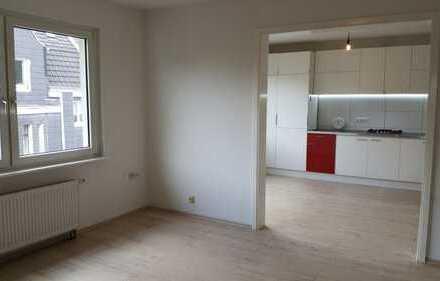 Vollständig renovierte 2-Zimmer-Wohnung mit moderner Einbauküche