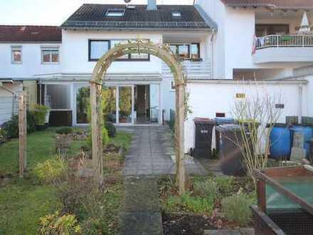 Familiengerechtes und ruhig gelegenes Haus in Rheinnähe im Norden von Köln